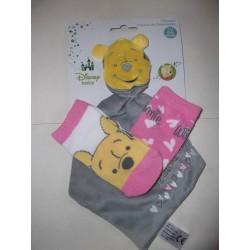 Doudou Winnie avec ses 2 paires de chaussettes